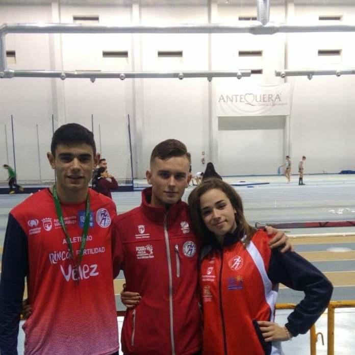 El atletismo Vélez suma un oro, una plata y un bronce en el Campeonato de Andalucía Juvenil