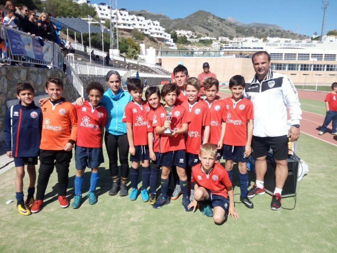 Éxito del fútbol en el homenaje a Mateo David Bautista en Nerja