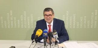 """El alcalde de Vélez-Málaga, Antonio Moreno Ferrer, explicó que en el día de hoy se ha convocado al Consejo de Administración para la aprobación definitiva del presupuesto para 2018, """"que viene a garantizar la estabilidad laboral de los trabajadores y a mejorar los servicios municipales"""""""