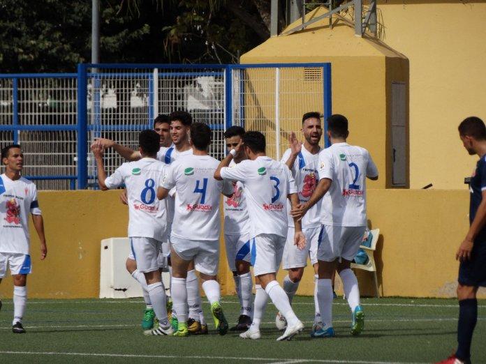 El Vélez, goleado en Guadix (4-2)