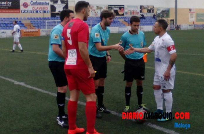 El Motril tropieza ante un Vélez que fue mejor (2-0)