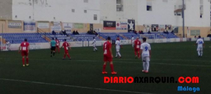 Las ocasiones fueron para el Vélez en la primera mitad. /José Luis Castro.