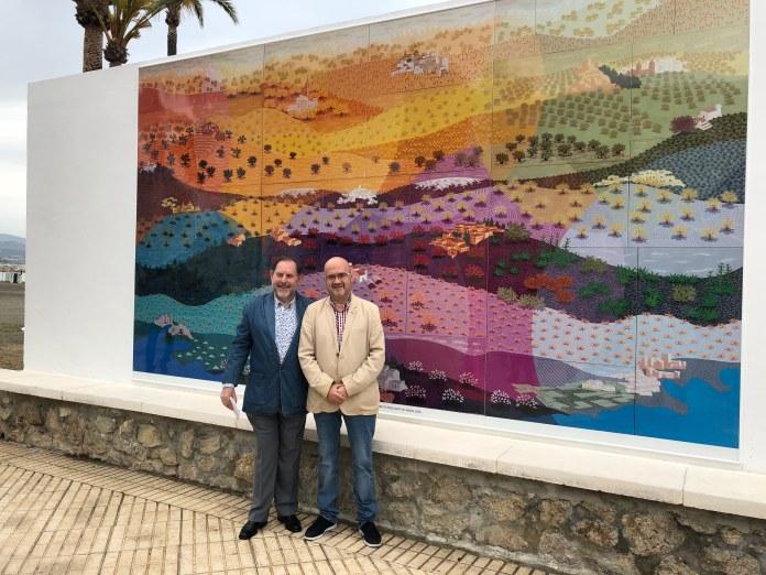 Torre del Mar instala en el Paseo Marítimo una reproducción a tamaño real de la obra 'La Luz de Andalucía' del pintor Evaristo Guerra