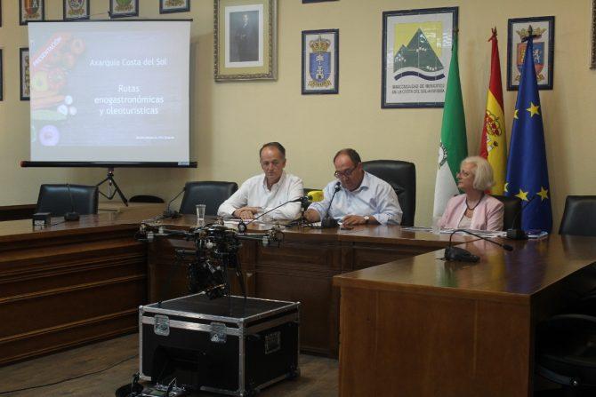 La Mancomunidad Axarquía Costa del Sol propicia rutas enogastronómicas y oleoturísticas en la comarca
