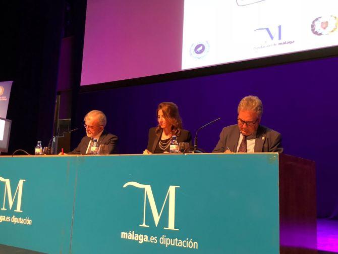 Alumnado y profesorado de la Escuela de Enfermería de la Diputación de Málaga se dan cita para reconocer la trayectoria histórica del centro
