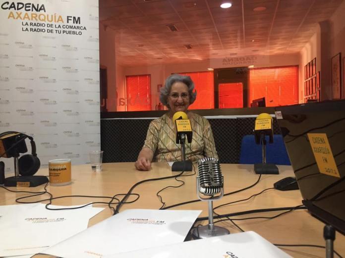 La escritora veleña Mª Carmen Fernández Rivera.