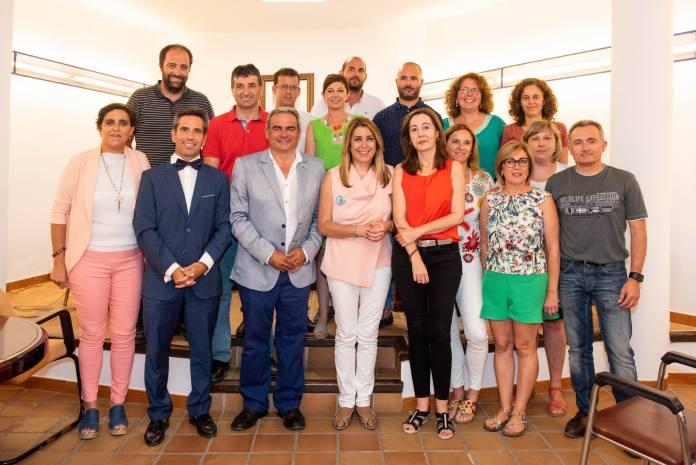 La presidenta andaluza ha anunciado su compromiso para impulsar el uso de agua para riego y la ampliación del polígono de Algarrobo y el apoyo de la Junta a la declaración de Frigiliana como Municipio Turístico