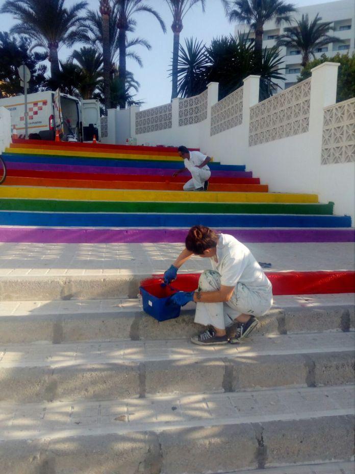 Escaleras con Orgullo en Nerja y Vélez-Málaga