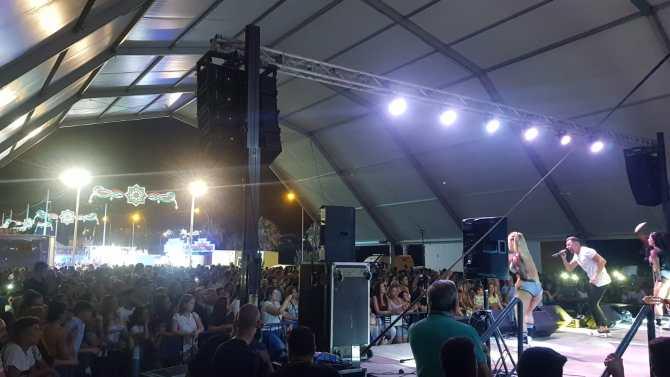 Contreras ofreció un concierto lleno de éxitos en Almayate.