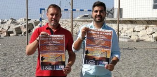 El teniente alcalde de Caleta, David Vilches, ha presentado esta mañana junto al coordinador de la Tenencia de Alcaldía, David Segura, el III Torneo de Fútbol Playa 'Ciudad de la Caleta'.