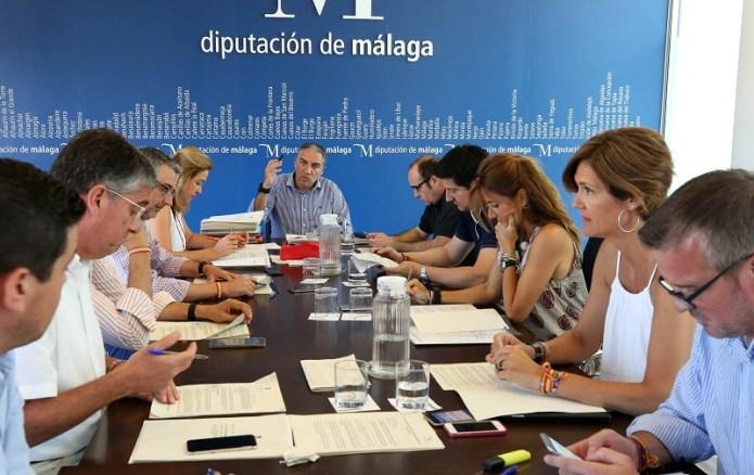 La Diputación da luz verde a dos proyectos en Árchez y Salares por un importe de 200.000 euros