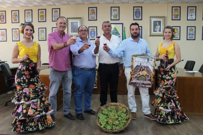 Este evento que tendrá lugar el domingo 9 de septiembre, incluye también actividades en torno a este valorado cultivo que este año ha sido declarado de Sistema Ingenioso del Patrimonio Agrícola Mundial (SIPAM) por la Organización de Naciones Unidas para la Alimentación (FAO). Entre otras, la tradicional pisa de la uva.