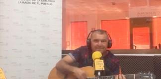 El cantante de Rincón de La Victoria, que participará en el reality show 'GH VIP', en una entrevista en CADENA AXARQUIA FM.