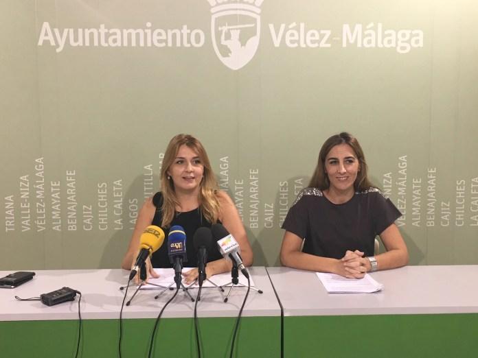 La delegada de Igualdad señala el trabajo que realiza el Ayuntamiento de Vélez Málaga con los servicios sociales