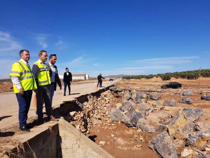 El consejero de Fomento y Vivienda anuncia la inminente declaración de emergencia de las obras por parte del Consejo de Gobierno.