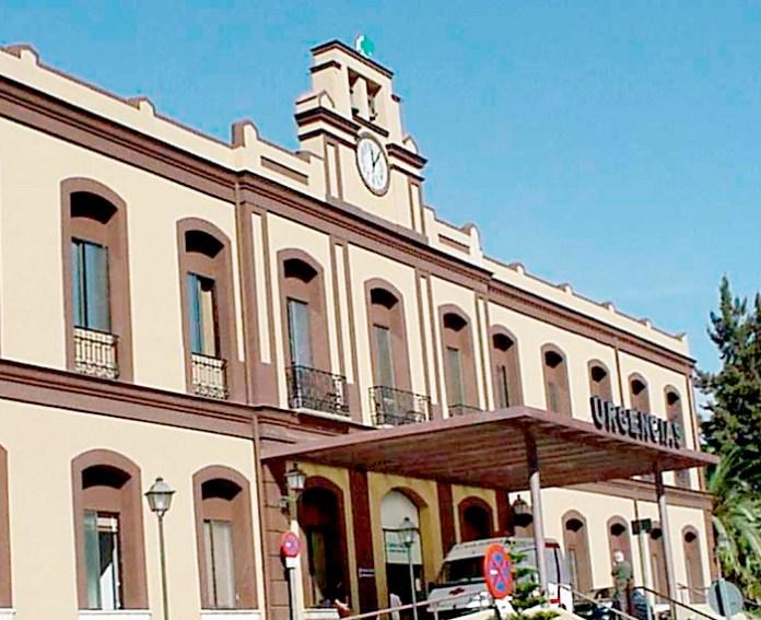 Las lluvias derrumban un falso techo en el Hospital Civil de Málaga