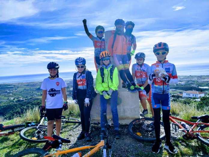 Continúan los entrenamientos para los chavales de Rincón Sport Team