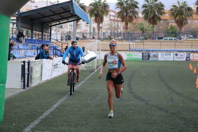 Cristóbal Ortigosa y Janine Lima, vencedores de la V Media Maratón Ciudad de Vélez-Málaga.