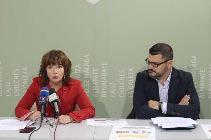 La concejala de Empresa y Empleo, María José Roberto, junto al director de la empresa colaboradora 'Con Talento Recursos Humanos', Miguel Ángel Serralvo.