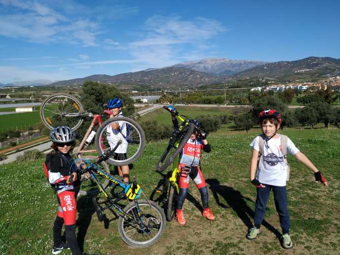 Buen fin de semana de 'pedaleo' para los jóvenes del Club Rincón Sport Team