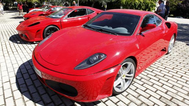 Detenidos los responsables de un concesionario por estafar 140.400 euros con la venta de vehículos de lujo en Marbella