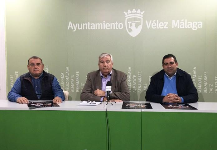 El teniente de alcalde de Almayate, Marcelino Méndez-Trelles, y el director del Belén Viviente, Francisco G. Alba, informaron de la decimoséptima representación de este evento, declarado Fiesta de Singularidad Turística Provincial, que se desarrollará en el colegio Juan Paniagua de la localidad los días 29 y 30 de diciembre.