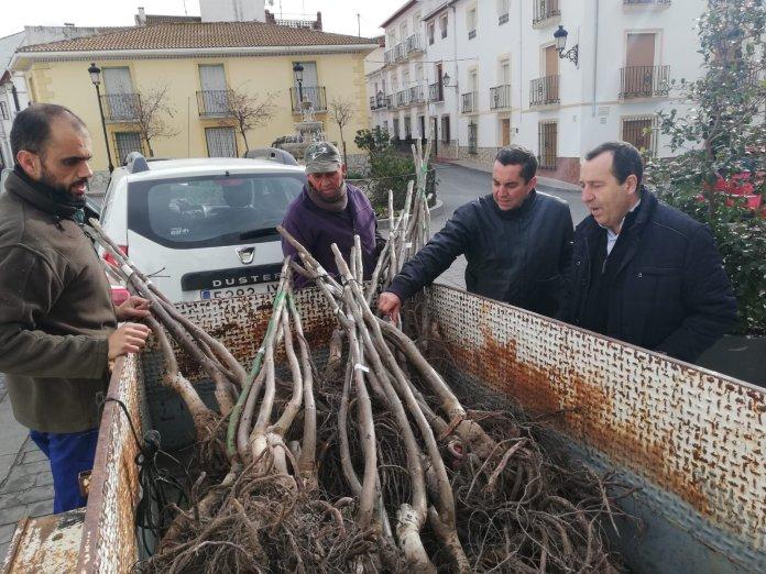 Ruiz Espejo exige al PP y a Cs en la Diputación que saquen del abandono a los pequeños municipios de Málaga