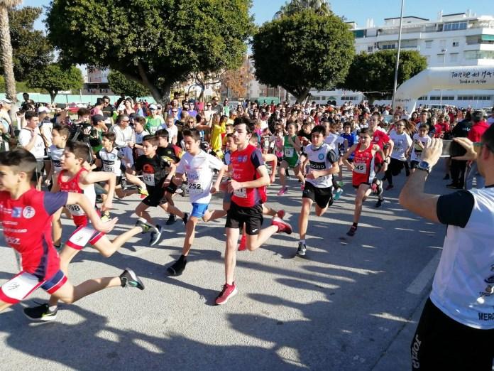 Más de 900 atletas participan en la III Carrera Urbana de Torre del Mar