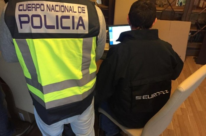 La Policía Nacional detiene a un hombre por distribuir drogas entre súbditos británicos en el centro de Fuengirola