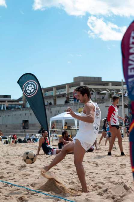 El torreño Carlos Checa lleva el nombre de las playas de Torre del Mar a la IV Etapa de la Liga Nacional de Futevolei