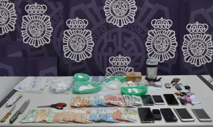 La Policía Nacional detiene a ocho personas en una operación contra el tráfico a pequeña y mediana escala de cocaína en Vélez-Málaga