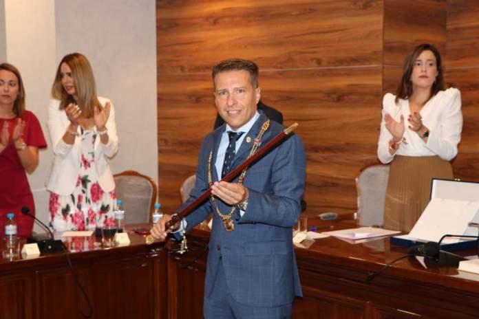Óscar Medina repite como alcalde de Torrox aunque con mayoría absoluta