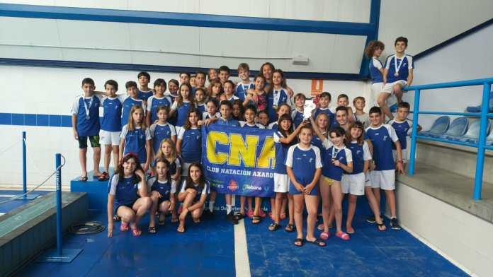 El Club Natación Axarquía se proclama subcampeón en la Gran Final del Circuito Provincial de Jóvenes Nadadores
