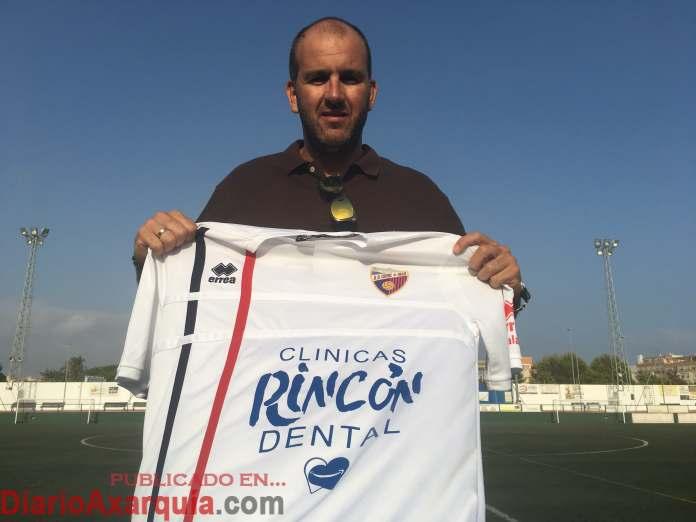 El Vélez C.F. presentará mañana lunes a su nuevo entrenador