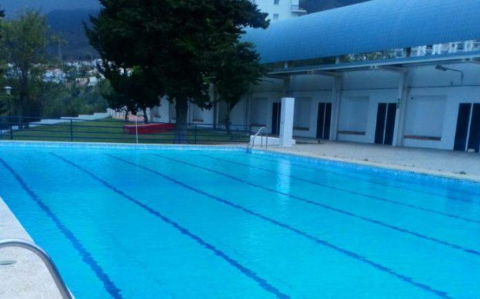 Piscina de verano para mayores en Nerja