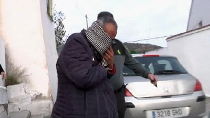 Detenido un juez por pegarle a su mujer en plena calle