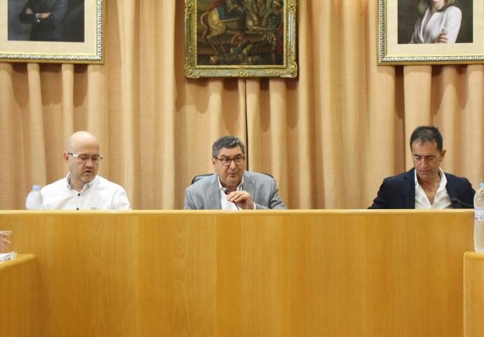 El pleno aprueba la nueva estructura municipal, contenida y acorde a una gran ciudad como Vélez-Málaga