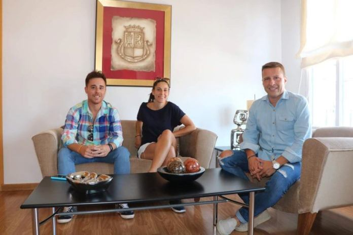 Recepción en el Ayuntamiento de Torrox a la deportista local Jessica Fernández