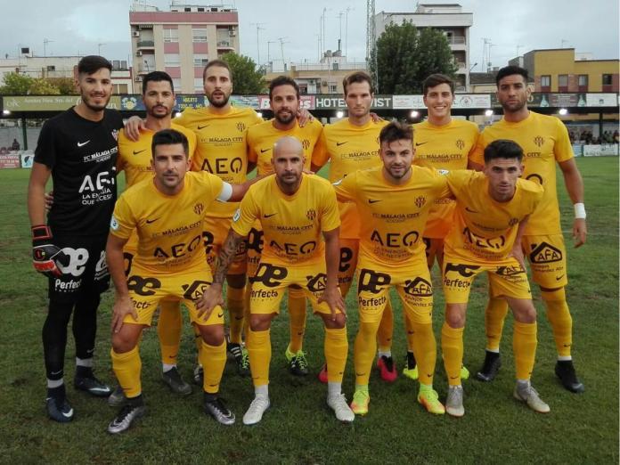 Primera derrota para el Vélez C.F. frente al UDC Torredonjimeno (5-2)
