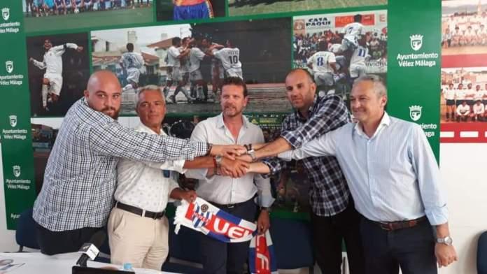 Francis Muñoz Parrado deja de ser entrenador del Vélez C.F.