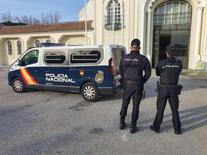 La Policía Nacional detiene el día de Navidad a cinco jóvenes por tráfico de drogas durante un festival de música en Torremolinos