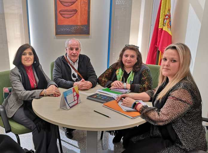 Reunión con la Asociación de Cuidadores y Enfermos de Alzheimer  (ASALBEZ)