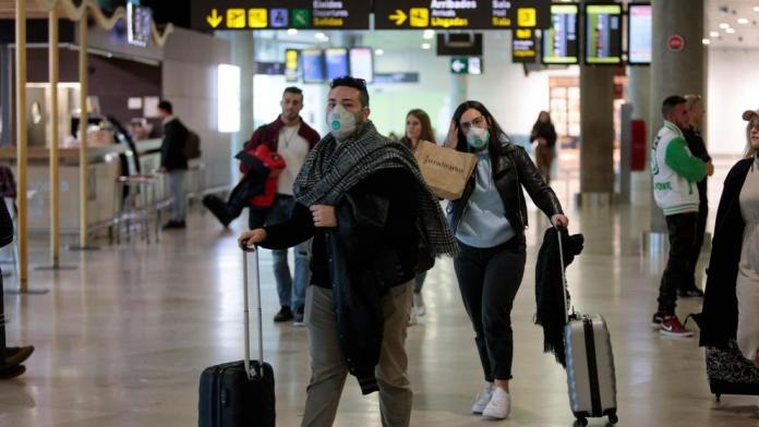 El Gobierno prohíbe todos los vuelos desde Italia a España
