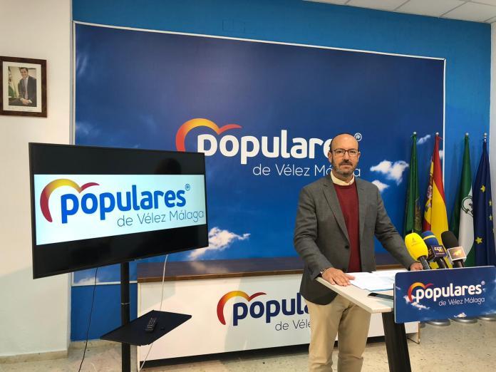 El PP propone adquirir la antigua oficina de Correos para albergar las dependencias administrativas de la Policía Local de Vélez-Málaga