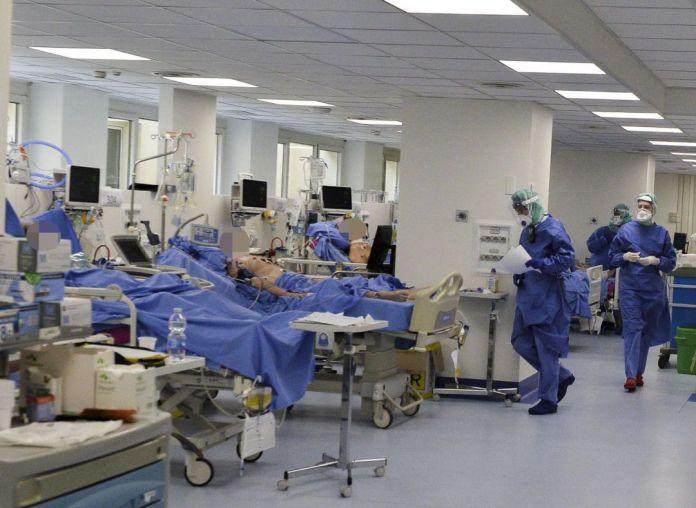 Andalucía  suma 11.425 casos de contagio por coronavirus con la confirmación de 221 nuevos afectados en las últimas horas
