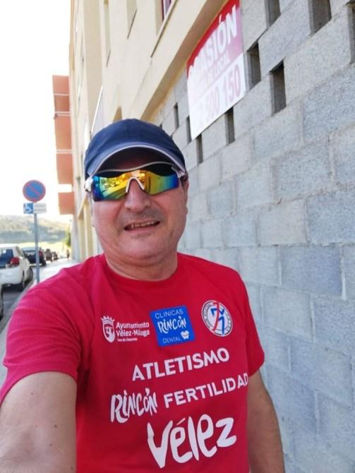 Los atletas del Club Atletismo Vélez comienzan sus entrenos