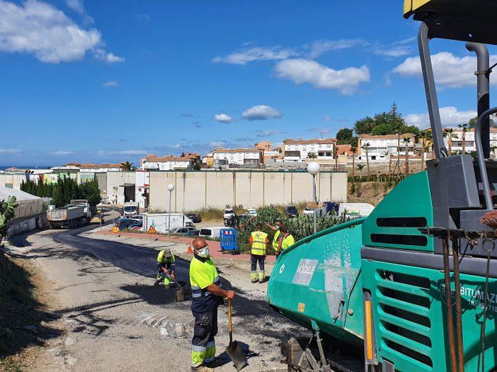 El Ayuntamiento de Torrox acomete el arreglo del Carril de Sevilla