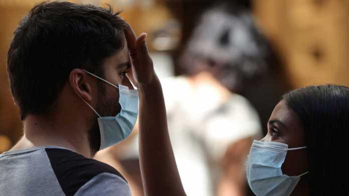 Sanidad notifica 968 contagios de coronavirus en las últimas 24 horas y 8.532 nuevos casos el fin de semana