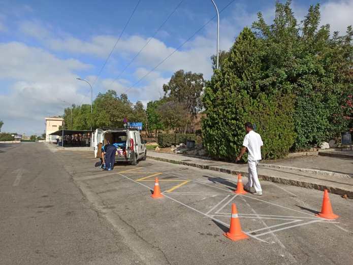Trabajos de mejora de accesibilidad en el entorno de La Cueva del Tesoro de Rincón de la Victoria
