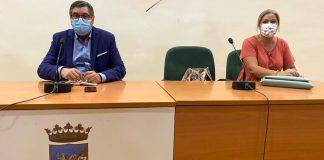 Encuentro del alcalde de Vélez-Málaga, Antonio Moreno Ferrer, y la concejala de Educación, Lola Gámez, con las AMPAS del municipio para valorar el inicio del curso escolar
